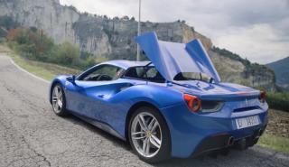 Vídeo: Chris Harris conduce el Ferrari 488 Spider