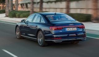Audi A8 trasera