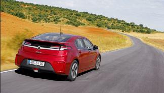 Opel-ampera-trasera
