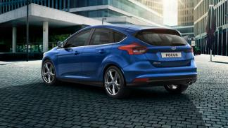 ford focus 2014 trasera