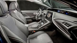 Toyota Mirai detalle interior