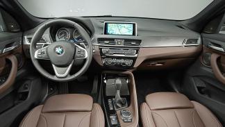 BMW X1 2016 delanteras.