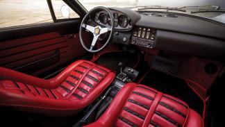 subasta Ferrari Dino 246 GTS 1974 interior