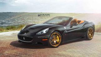 Ferrari California con llantas Strasse tres cuartos delantero