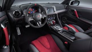 Nissan GT-R Nismo 2017 interior deportivo