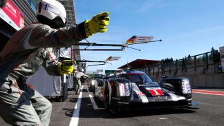 Porsche 919 Hybrid WEC resistencia 24h Le Mans pit lane