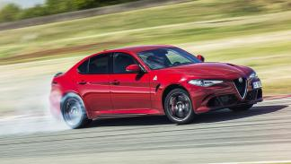 Alfa Romeo Giulia QV - 7 minutos y 39 segundos