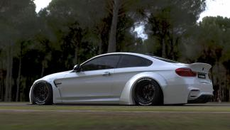 El BMW M4 de Liberty Walk