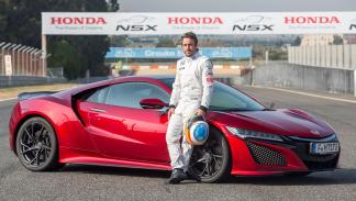 Fernando Alonso prueba el nuevo Honda NSX 2016