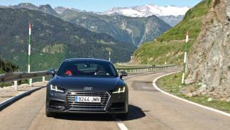 Prueba Audi TTS frontal carretera montaña aran pirineos