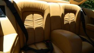 Ferrari 400i asientos traseros