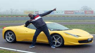 El Ferrari 458 Italia y Usain: dos máquinas perfectas