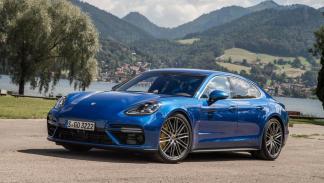 Prueba Porsche Panamera Turbo azul lujo deportivo prueba