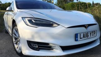 Tesla Model S 60D