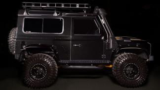 Land Rover Defender Spectre Edition (II)