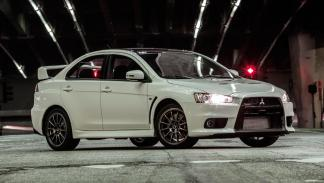 Mitsubishi Lancer Evo Final Edition sedan deportivo blanco eeuu