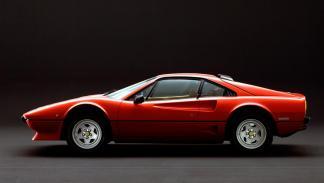 Ferrari 208 GTB Turbo motor sobralimentado V8 deportivo italiano clasico