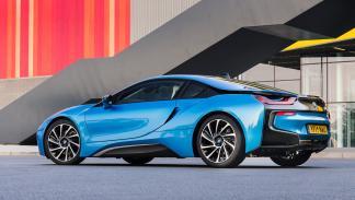 Los mejores coches para huir de tu ex - BMW i8