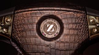 Volante más caro Dartz lujo black alligator ostentoso lujoso exclusivo oro diamantes