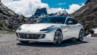 Ferrari GTC4Lusso Autobahn deportivo blanco frontal