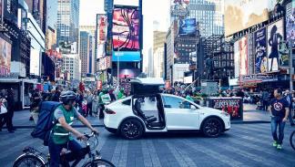 2016 en nueve cifras - 12 - Flipados americanos quedaron en ridículo contra el Tesla Model X