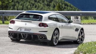 Los coches más rápidos de 2016 - Ferrari GTC4Lusso - 689 CV, 330 km/h