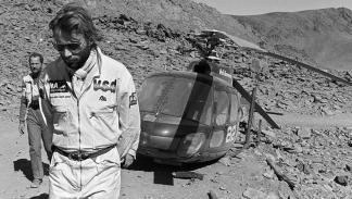 Thierry Sabine, con problemas en un helicóptero, un año antes de fallecer en un accidente en 1986