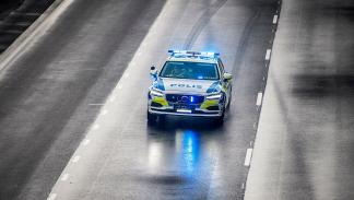 Volvo V90 Policía de Suecia coche patrulla test sueca