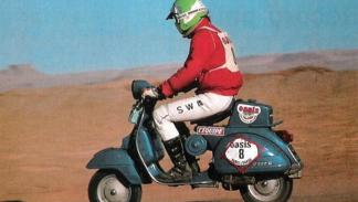 Hay que ser muy valiente para competir con una Vespa en el Dakar 1980
