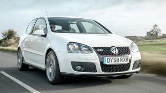 Cohetes que puedes comprar entre 8.000 y 130.000 euros - VW Golf GTI Mk V - 8.000 euros
