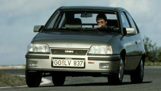 Opel Kadett GSI (II)