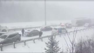 Accidente en cadena por la nieve