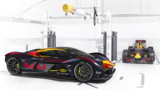 Aston Martin Valkyrie Red Bull F1 Team