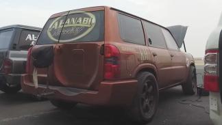 Un Nissan Patrol de 2.500 CV a 330 km/h