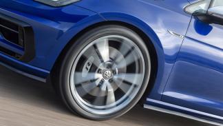 Volkswagen Golf R 2017 en movimiento