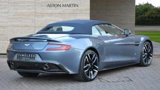 Aston Martin Vanquish Volante AM37 one-off Q deportivo descapotable