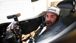 Fernando Alonso en el simulador de Honda IndyCar