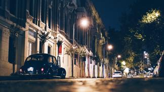 Los consejos más estúpidos para ahorrar combustible - Evita utilizar las luces