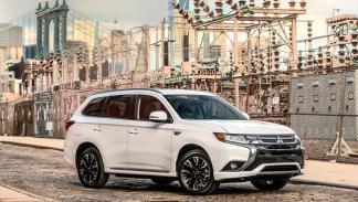 Mitsubishi Outlander PHEV 2017 (IV)
