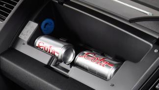 Los consejos para cargar el coche en verano... más estúpidos - Lo indispensable, al maletero