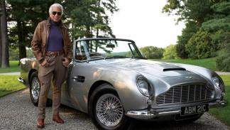 Ralph Lauren posa con su precioso Aston Martin   