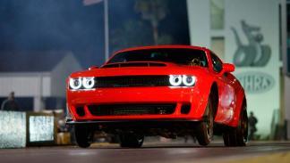 Dodge Challenger Demon Haciendo el caballito