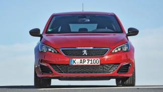 Comparativa Peugeot 308 GTI vs VW Golf GTI Performance