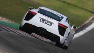 Lexus LFA (VI)