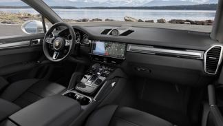 Porsche Cayenne Turbo 2018 (interior)