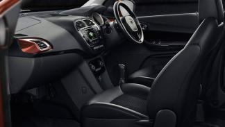 Tata Tigor coche feo compacto india