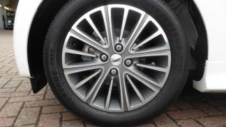 Aston Martin Cygnet 007 matrícula personalizada