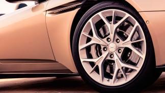 Aston Martin DB11 Volante descapotable lujo deportivo