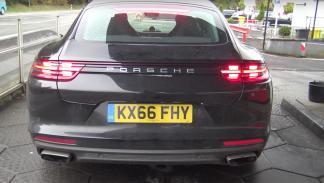 Bentley camuflado en un Porsche Flying Spur 2018 Panamera