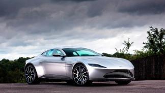 Los coches de famosos bugatti ferrari tesla mercedes aston martin